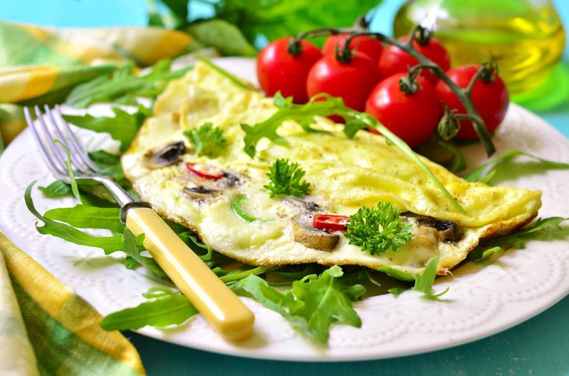 Omlet z parmezanem /123RF/PICSEL