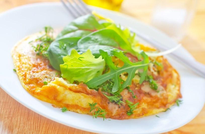 Omlet z rukolą /123RF/PICSEL