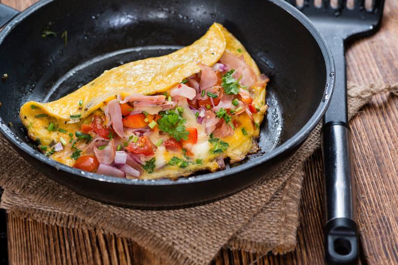 Omlet z szynką /123RF/PICSEL