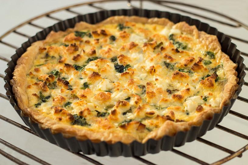 Omlet ze szpinakiem i serkiem ricotta /123RF/PICSEL