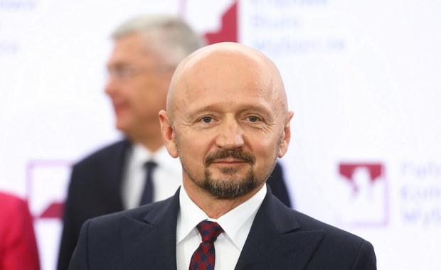 Onet: Senator Jacek Bury zatrzymany na proteście przedsiębiorców