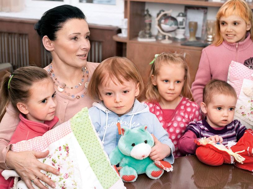 Onkolog dziecięcy z pacjentem zna się długo. Tym trudniej pogodzić się z przegraną.  /Beata Wielgosy /Twój Styl