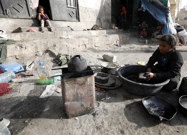 ONZ określa konflikt w Jemenie jako największą obecnie katastrofę humanitarną na świecie /YAHYA ARHAB /PAP/EPA