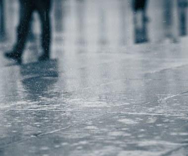 Opady deszczu i burze. Kiedy poprawa pogody?