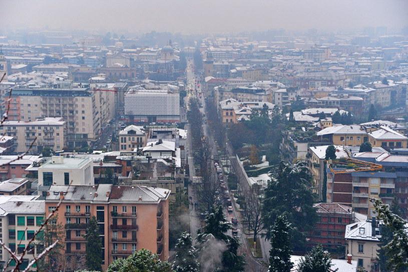 Opady śniegu w Bergamo /FILIPPO VENEZIA /PAP/EPA