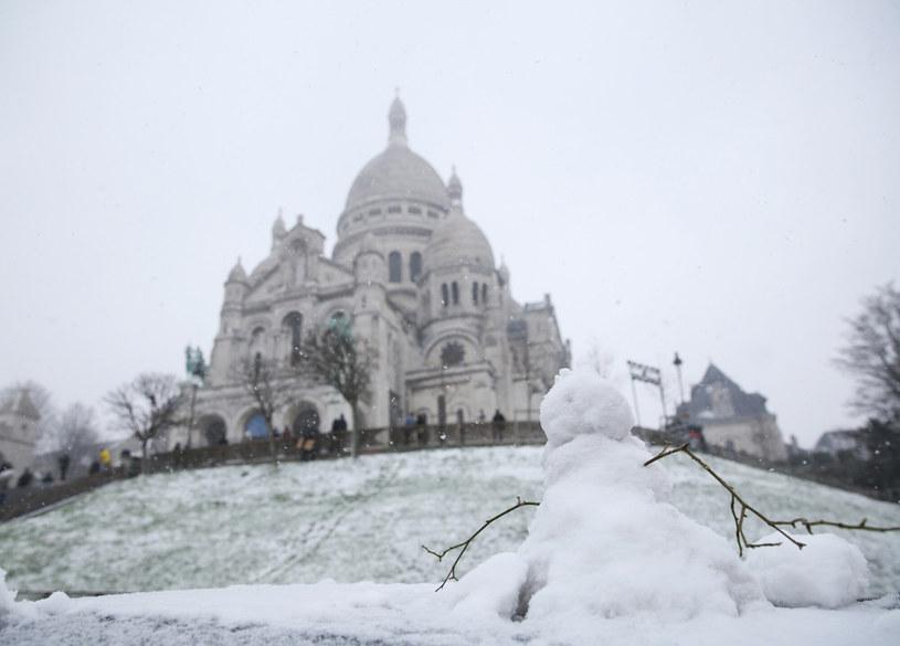 Opady śniegu w Paryżu należą do rzadkości /Gao Jing/Xinhua News  /East News