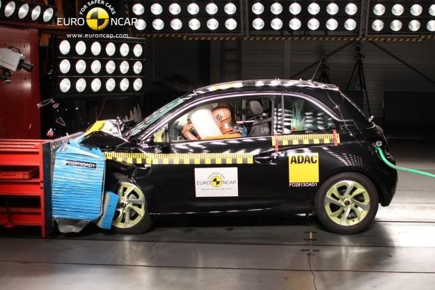 Opel Adam /