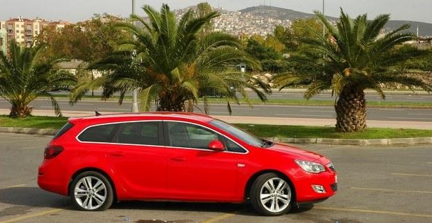 Opel astra sports tourer /INTERIA.PL