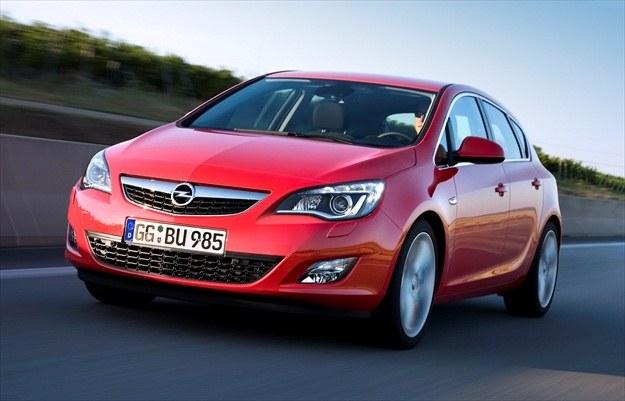 Opel astra sprzedaje się bardzo dobrze /