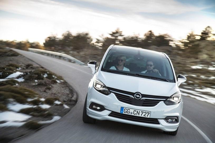 Opel Zafira 2016 /