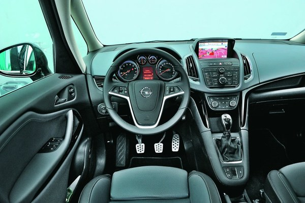 opel zafira tourer 1.4 turbo 140 ecoflex cosmo - zdj.3 - magazynauto