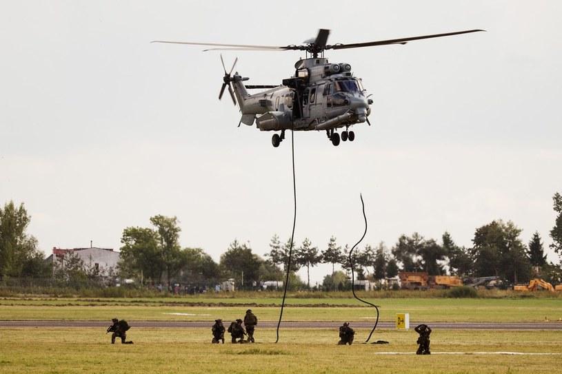 Operacja desantowa przeprowadzana w Radomiu z pokładu Caracala /East News