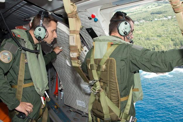 Operacja poszukiwania szczątków Boeinga 777 linii Malaysia Airlines, prowadzona przez siły francuskie na wschód od wyspy Reunion (sierpień 2015) /PATRICK BECOT/FAZSOI/HANDOUT /PAP/EPA