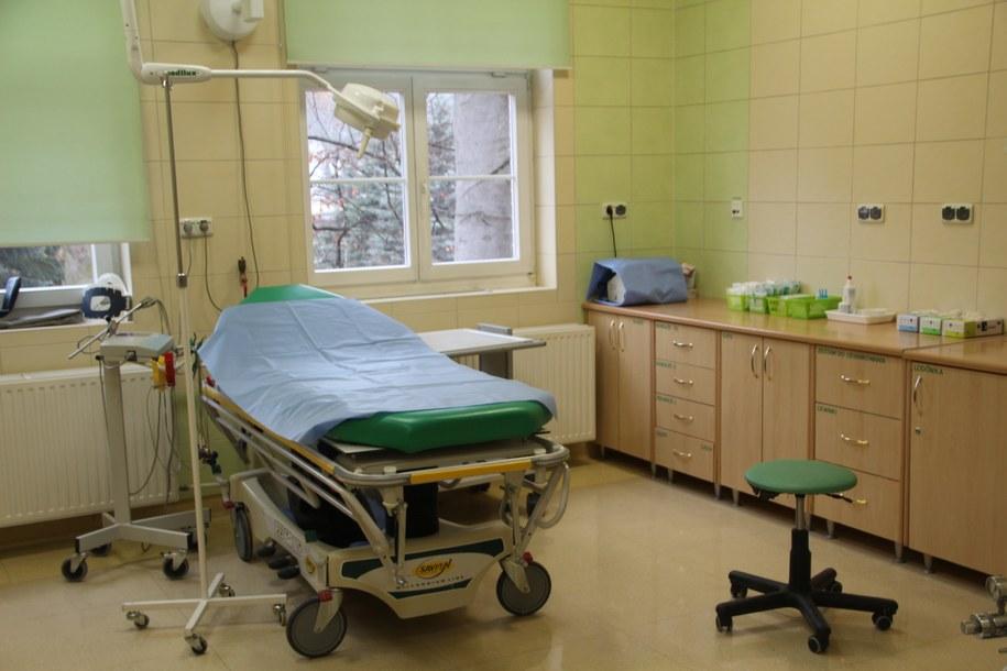 Operację wykonano w oparciu o przedstawione przez kobietę sfałszowane wyniki badań /Karolina Michalik /RMF FM