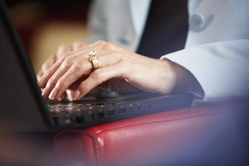 Operatorzy internetowi zostali poinformowani o niebezpieczeństwie /© Glowimages