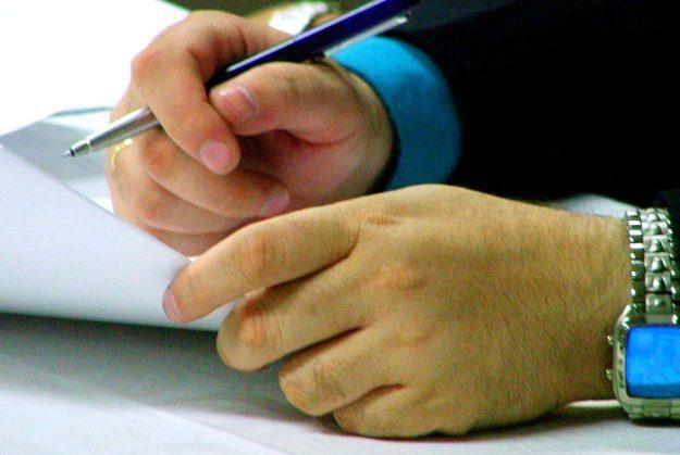 Operatorzy komórkowi i stacjonarni często uciekają się do fałszowania podpisów klientów /stock.xchng