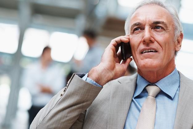 Operatorzy telefonii komórkowej, banki czy ubezpieczyciele często lekceważą starych klientów /©123RF/PICSEL