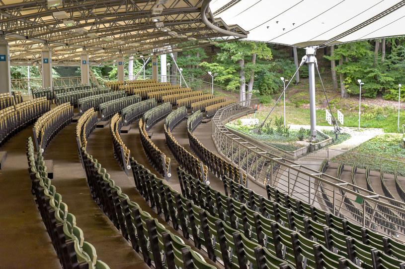 Operę Leśną można obejrzeć nie tylko w czasie koncertów. Bilet wstępu dla zwiedzających kosztuje tylko 7 zł /123RF/PICSEL