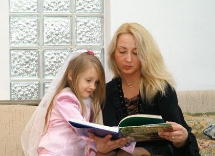 Opieka nad dzieckiem cieszy się w Bankach Czasu dużą popularnością. fot. Borys Czonkow /MWMedia