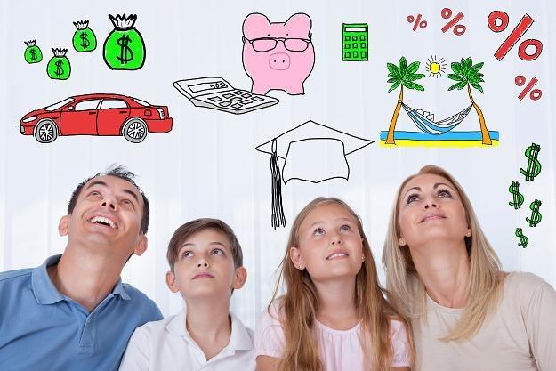 Opieka nad dzieckiem może dużo kosztować /©123RF/PICSEL