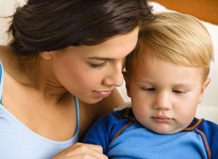 Opieka nad dzieckiem pochłania tyle energii, co praca na półtora etatu! /ThetaXstock
