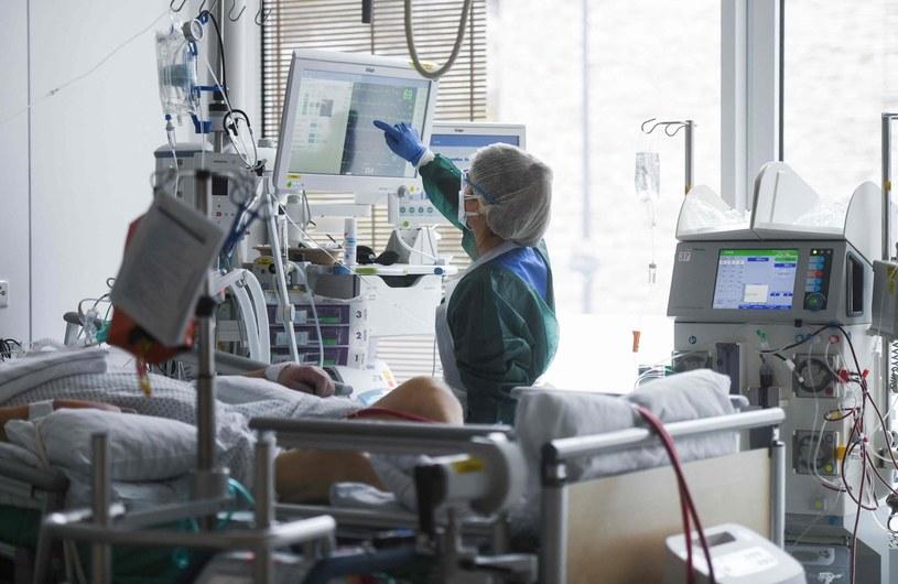 Opieka nad pacjentami covidowymi w szpitalu w Essen /AFP