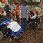 Opiekunowie dorosłych niepełnosprawnych spędzą noc przed Sejmem