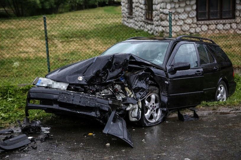 Opłacalność naprawy auta zależy od stopnia uszkodzeń i wartości samochodu /Michał Adamowski /Reporter