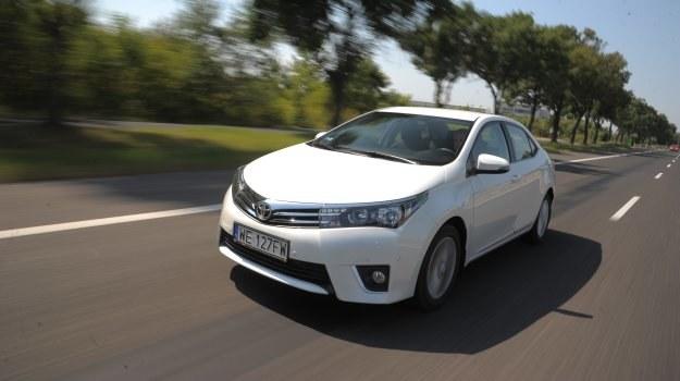 Opływowa karoseria Corolli notuje niewielki współczynnik oporu powietrza – 0,27. /Motor