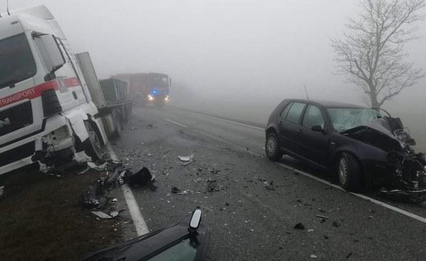 Opolskie: Jedna osoba ranna w wypadku w Łosiowie