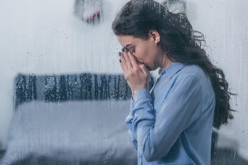 Opowiadając o problemach innym pozbywamy się z siebie negatywnych emocji /123RF/PICSEL