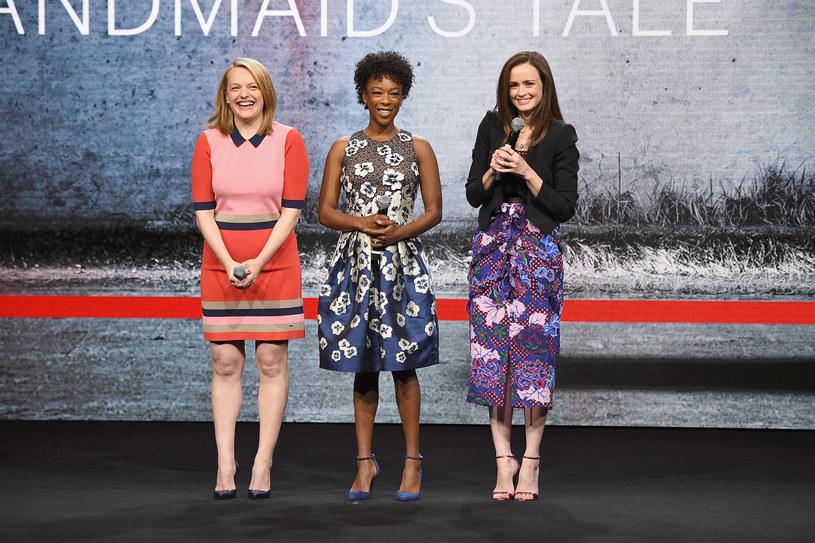 """Opowieść podręcznej"": Elisabeth Moss, Samira Wiley, Alexis Bledel /Dia Dipasupil /Getty Images"