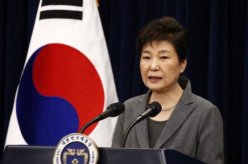 Opozycja nawołuje do pozbawienia prezydent Park stanowiska /PAP/EPA