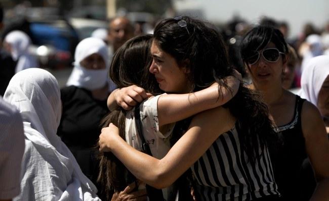 Opozycja twierdzi, że w ataku zginęło kilkaset osób /ATEF SAFADI  /PAP/EPA