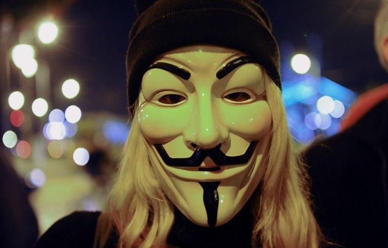 #OpParis, czyli cyberbitwa Anonimowych z Państwem Islamskim trwa od ataków w Paryżu /AFP