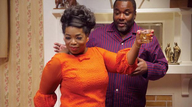 """Oprah Winfrey z reżyserem """"Kamerdynera"""" Lee Danielsem. /materiały dystrybutora"""