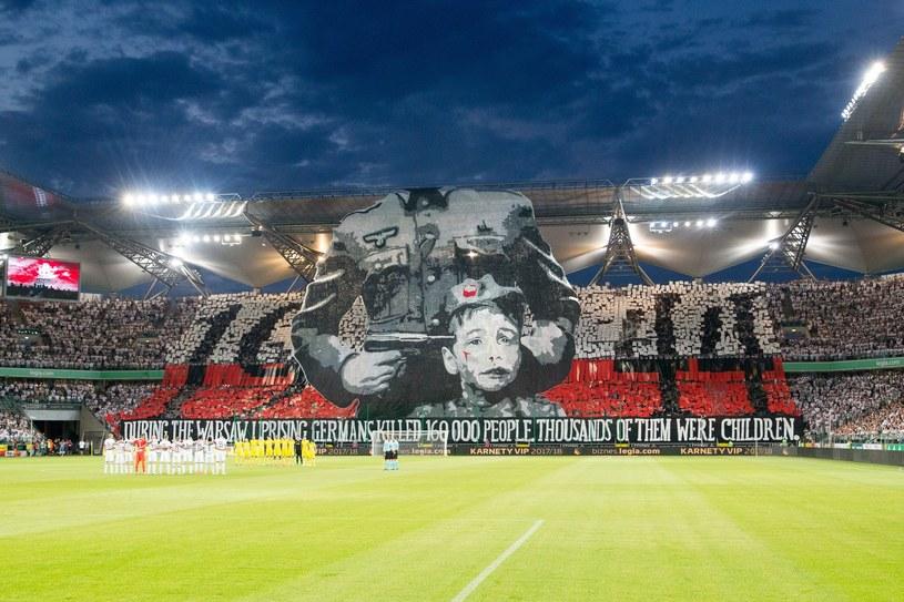 Oprawa kibiców Legii w meczu z FK Astana /Andrzej Iwańczuk /East News