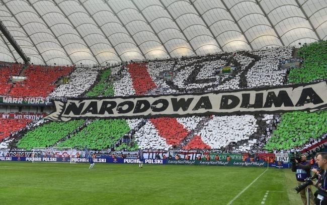 Oprawa meczowa przygotowana przez kibiców Legii Warszawa /Bartłomiej Zborowski /PAP