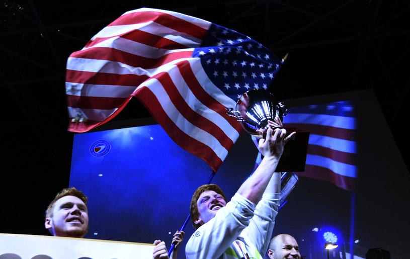 Optic Gaming po wygranym finale turnieju Call of Duty: Advanced Warfare na ESWC /AFP