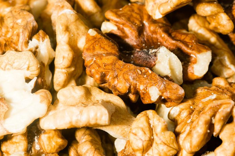 Optymalna dawka orzechów włoskich to garść dziennie /123RF/PICSEL