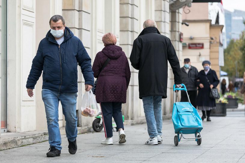 Opublikowano nowelę rozporządzenia w sprawie ograniczeń epidemicznych /ARKADIUSZ ZIOLEK /East News