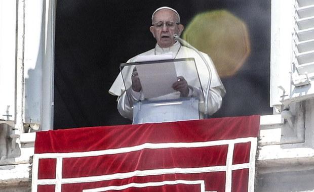 """""""Opuściliśmy maluczkich. To wstyd"""". Papież napisał o błędach Kościoła ws. pedofilii"""