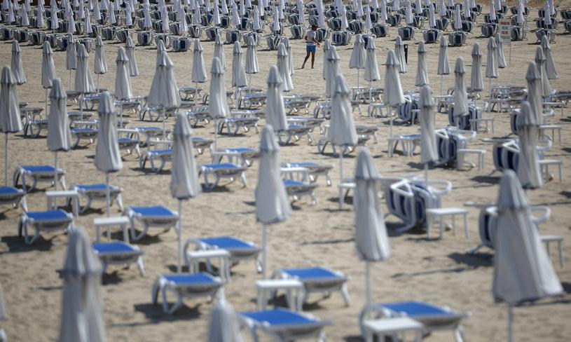 Opustoszała plaża w Bułgarii, zdj. ilustracyjne /STOYAN NENOV/Reuters /Agencja FORUM