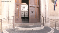 Opustoszałe ulice Rzymu. Włoskie władze zamknęły wszystkie szkoły