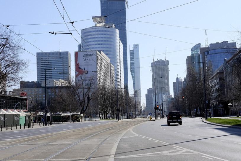 Opustoszałe ulice Warszawy /Adam Jankowski /East News