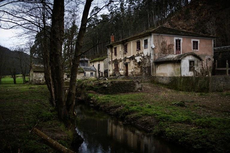 Opuszczona hiszpańska wieś /AFP