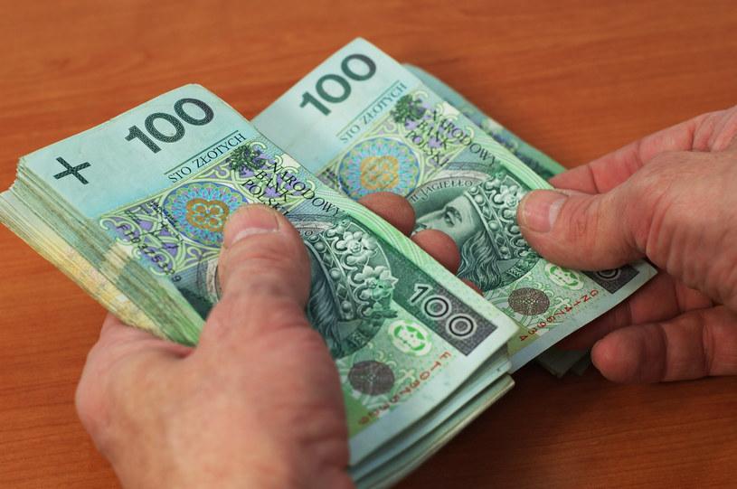 OPZZ: Kwota wolna i progi podatkowe muszą być waloryzowane. /123RF/PICSEL