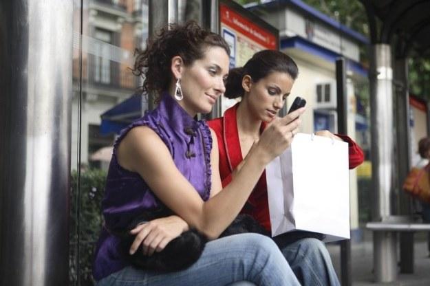 Orange i T-Mobile przygotowały  nielimitowane oferty na kartę /123RF/PICSEL