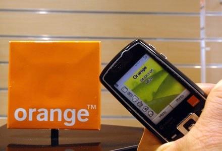 Orange to już druga sieć (po Plusie), która ostrzega przed fałszywymi SMS-ami /AFP