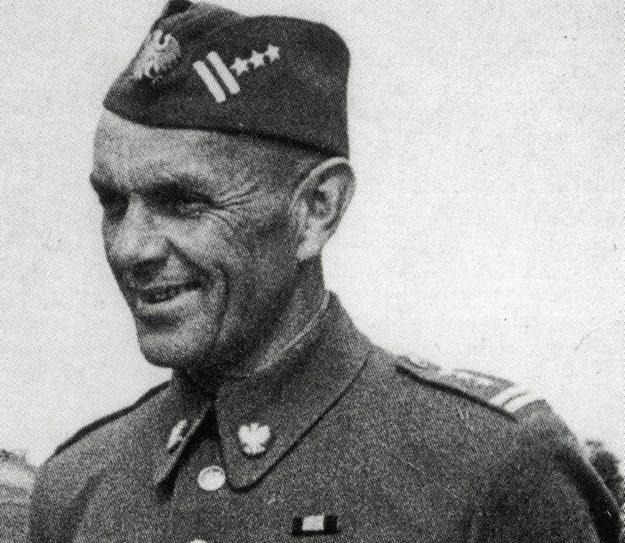 Orderem Lenina odznaczono generała brygady Zygmunta Berlinga /reprodukcja FoKa /Agencja FORUM
